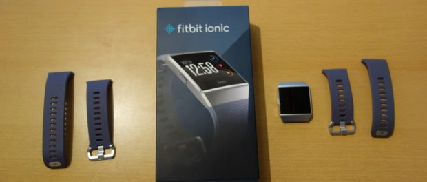 Fitbit Ionic und Verpackung